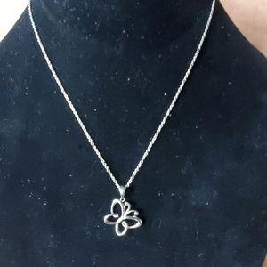 Cute silver tone chain and pendant